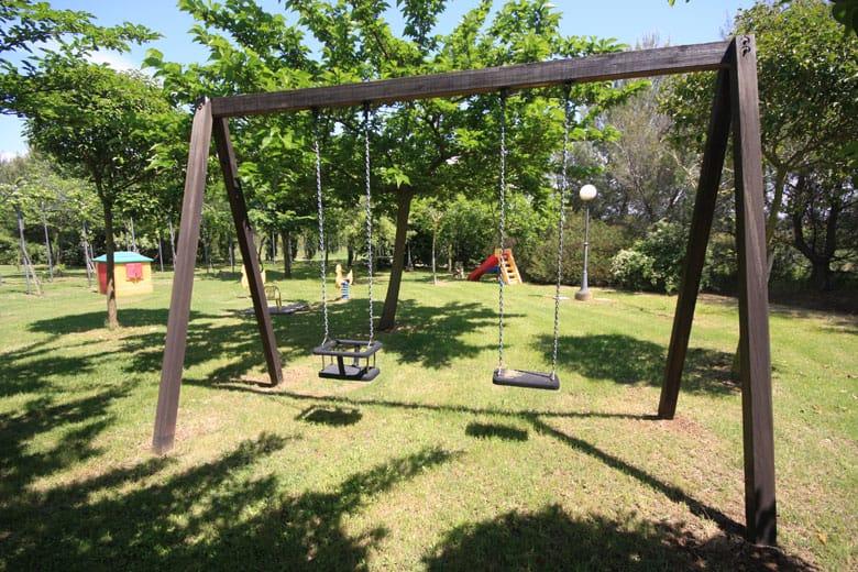 agriturismo a vada con giochi per bambini
